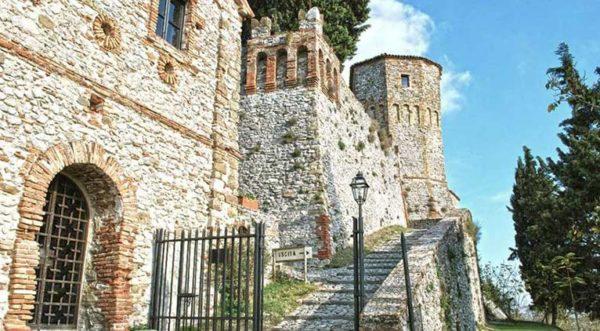 Cosa Vedere Montebello Castello Azzurrina Guida